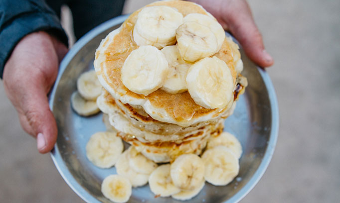 stocksy bananapancakes medium 626378 682x408